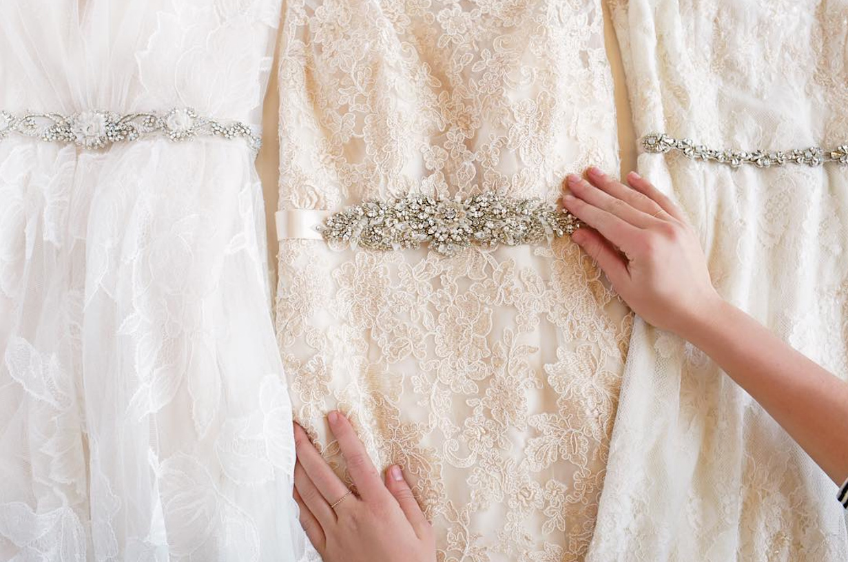We Found Everything You Need to Accessorize for Your Winter Wedding
