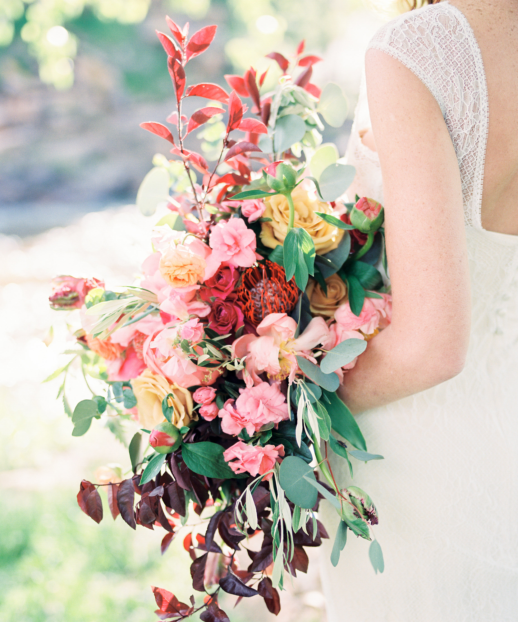 11 Floral Trends to Consider for Your Spring Wedding