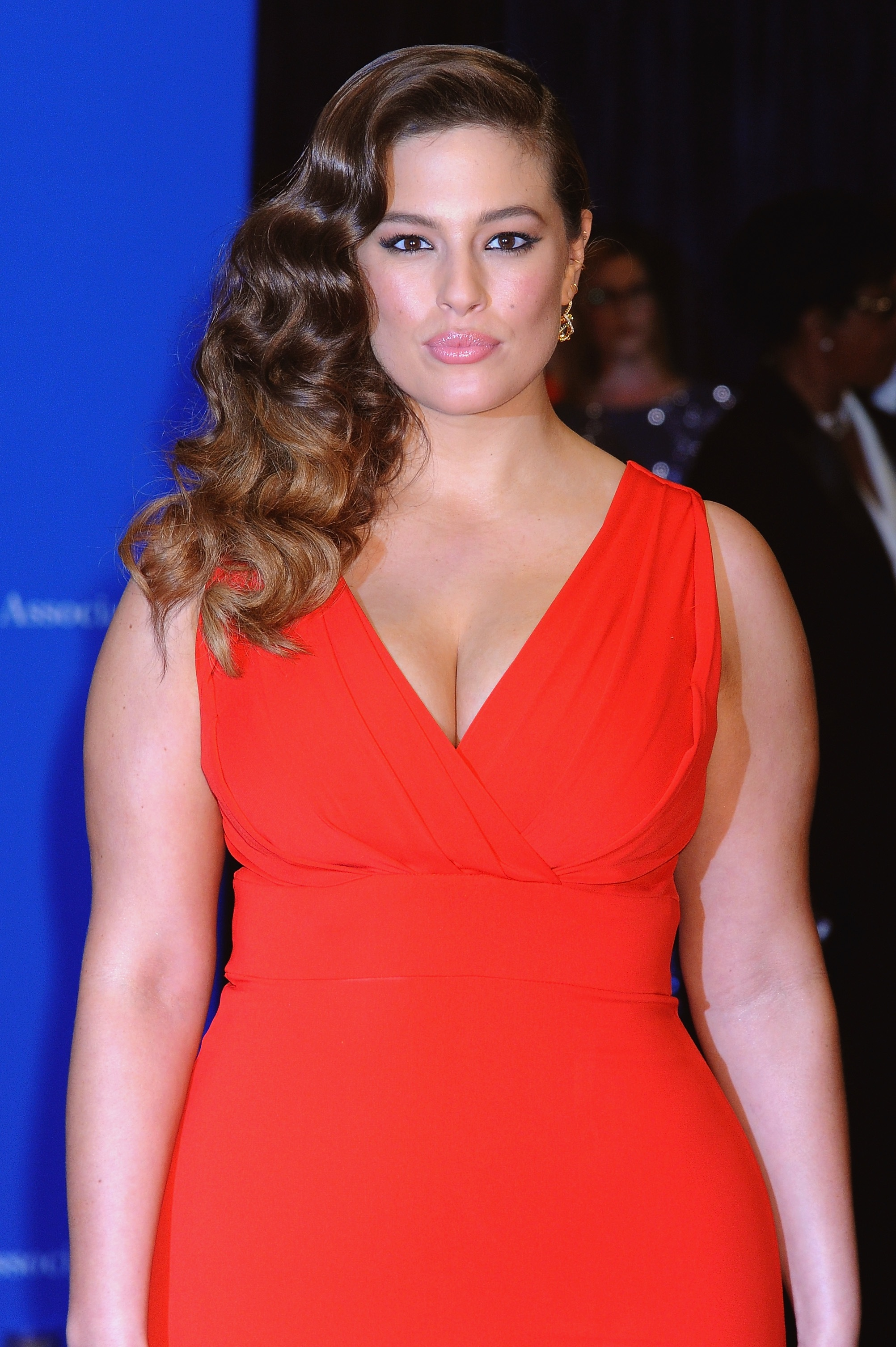 Ashley Graham: Ashley Graham Workout Routine Details Video