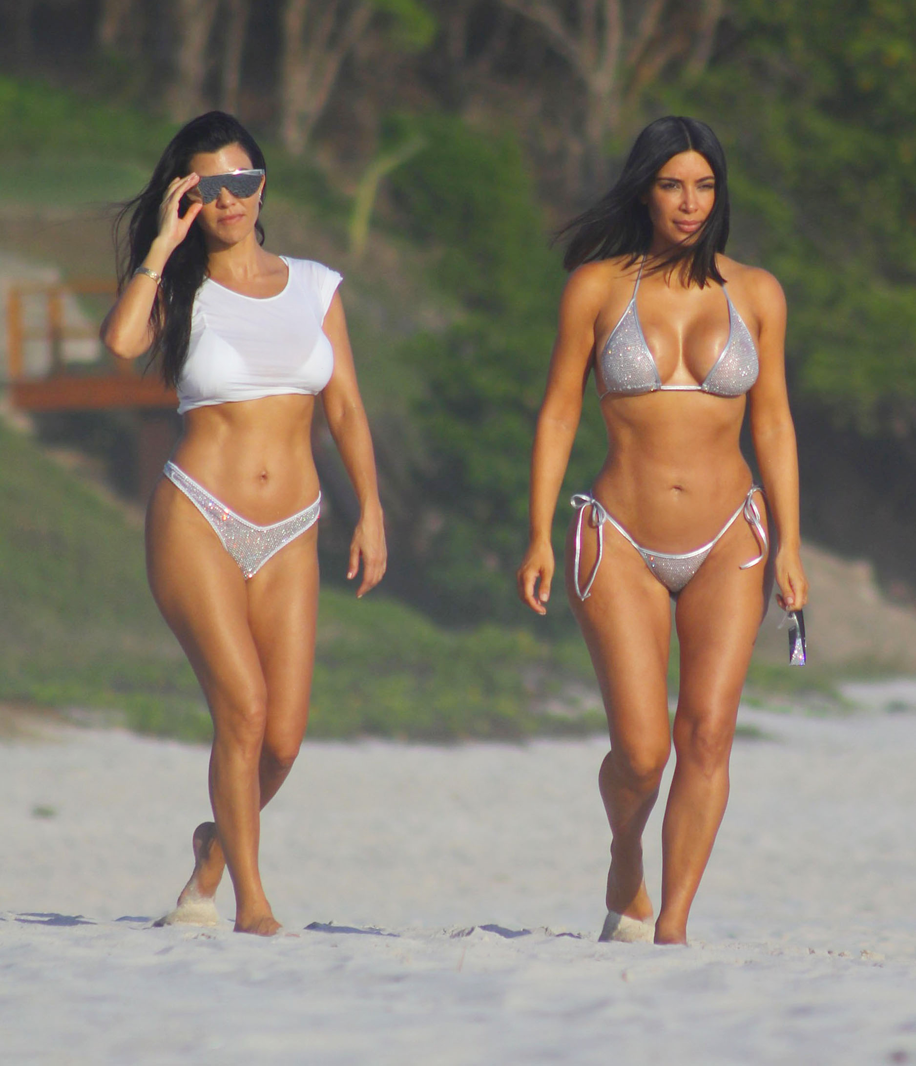 5eeeb2852aa20 Kim Kardashian s Body Looks Totally Sculpted in a Dazzling Bikini ...