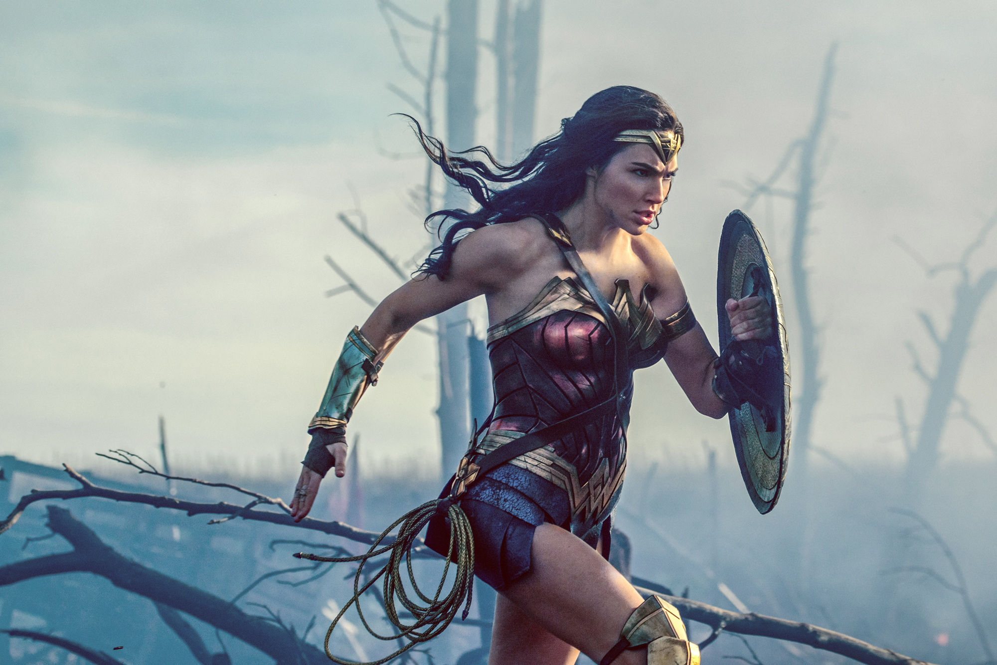 A New Wonder Woman Roller Coaster Will Make Theme Park History