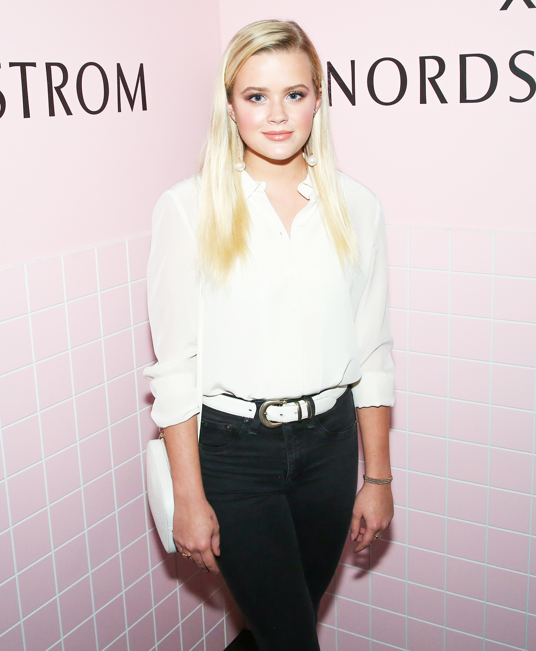 Reese Witherspoon's Daughter Ava Looks All Grown Up for a Girls' Night Out