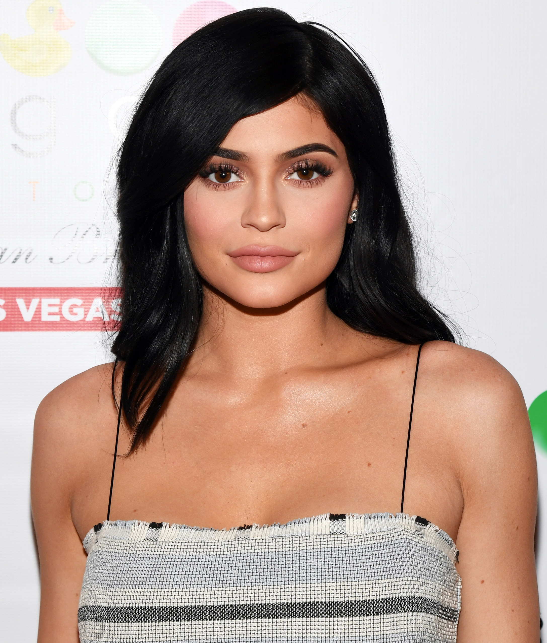 "Pregnant Kylie Jenner Says She's Thankful for Her ""Little Babies"" This Thanksgiving"
