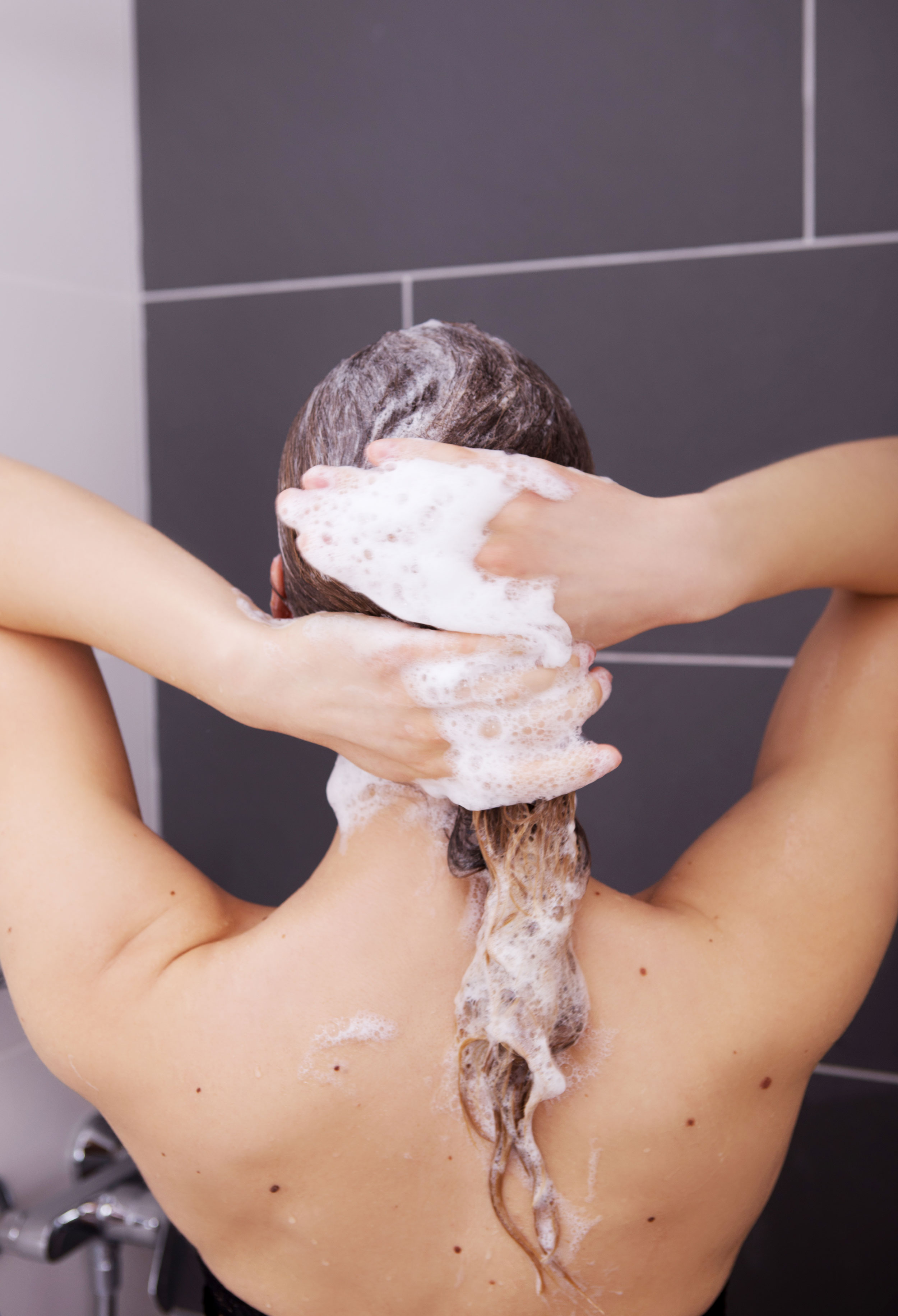 The Best Shampoos for Fighting Dandruff