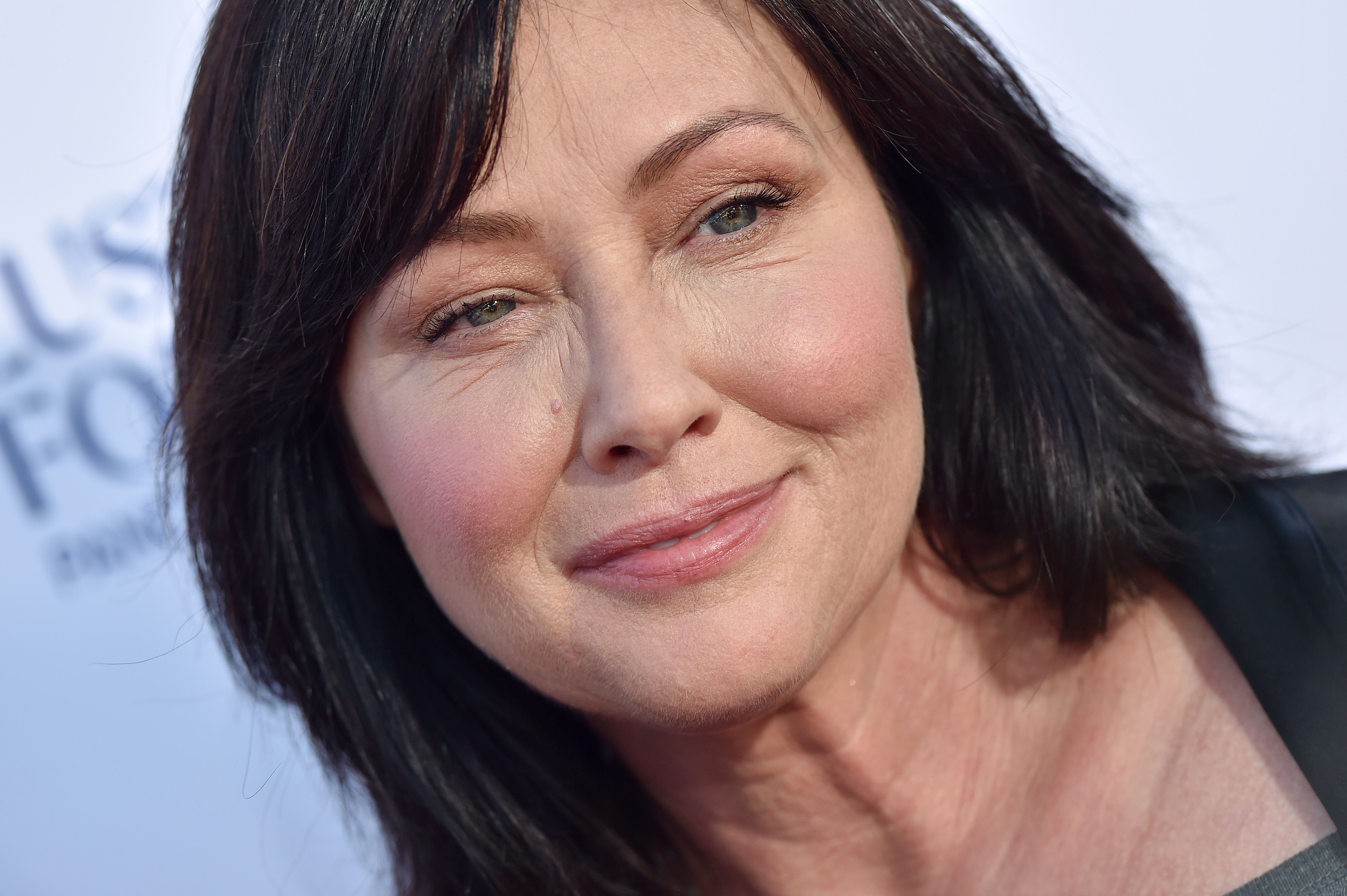 Shannen Doherty Shared a Sweet Throwback Photo of Luke Perry to Announce <em>Riverdale</em> Guest Role