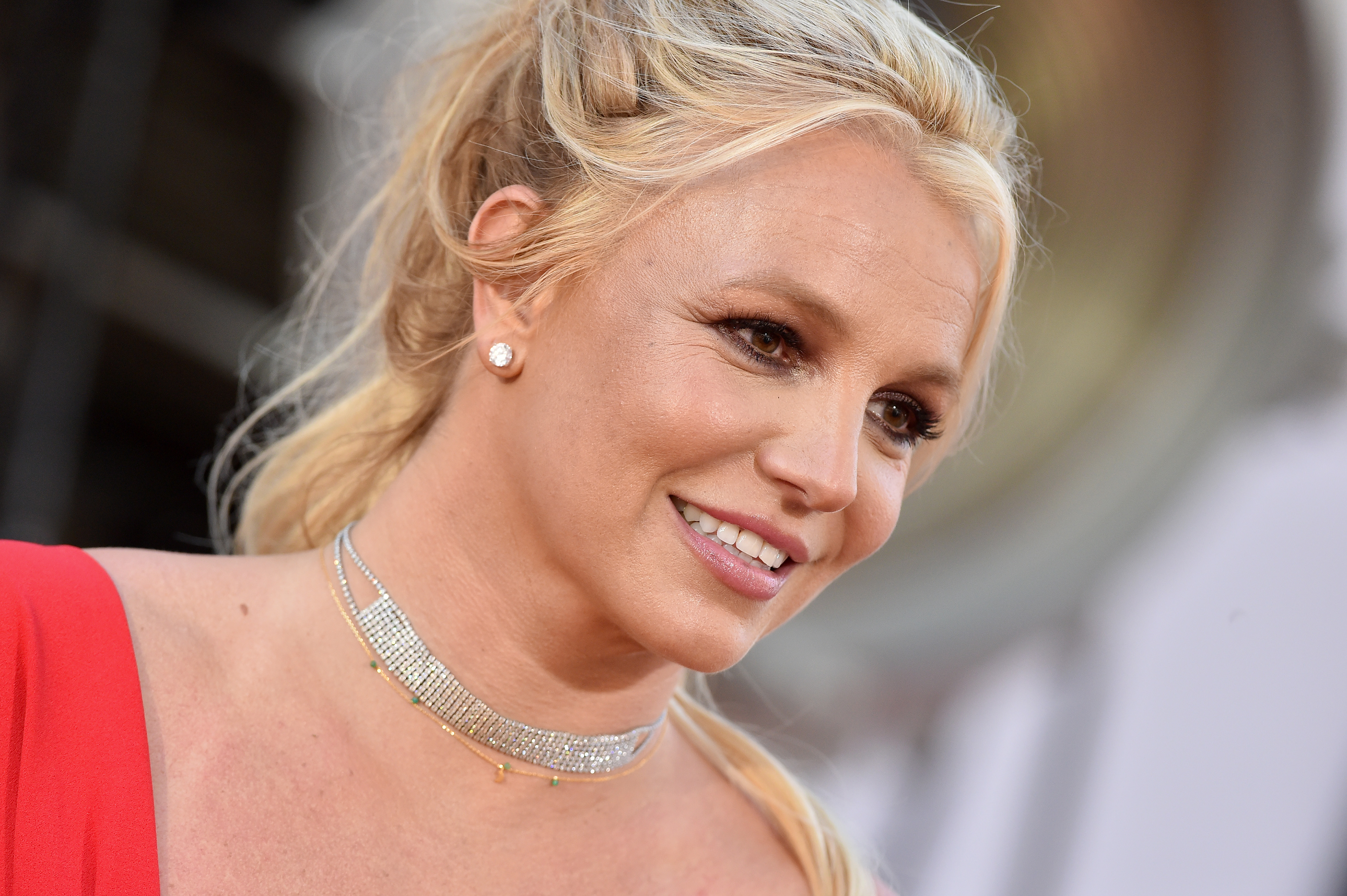 "Britney Spears Says She Doesn't Know ""Who to Trust"" in Candid Instagram Post"