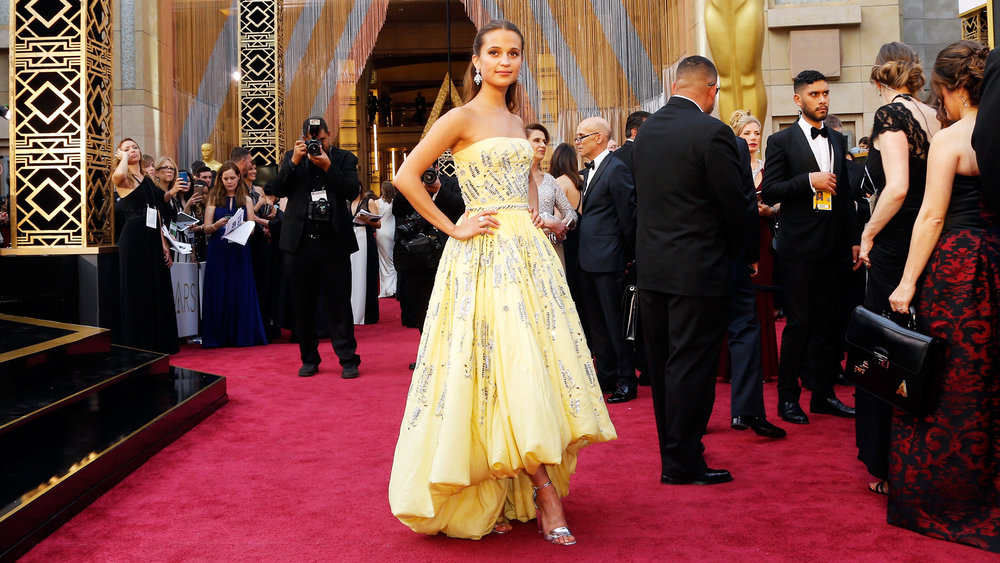 15 Celebrities Who Went Full Belle on the Red Carpet