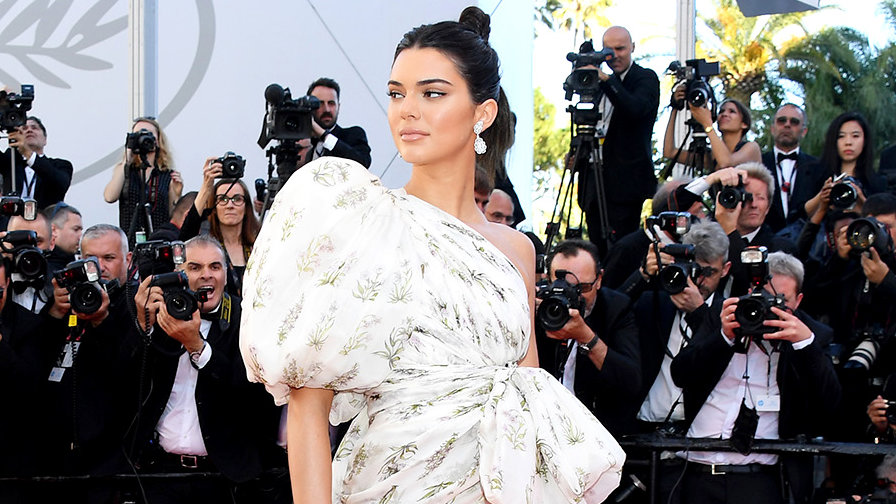 Kendall Jenner Just Wore the $17 Trend That Every Fashion GirlLoves