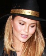 Fall Accessories Inspiration Courtesy of Chrissy Teigen's Not-So-Basic Hat