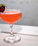 Here's a Bubbly Strawberry Cocktail to Toast the End of Summer