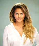 Exclusive! Go Behind-the-Scenes at Chrissy Teigen's La Mer Campaign Shoot