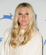 Kesha's New Mani Is a True Work of (Nail) Art