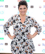 Tiffani Thiessen's Favorite Family Recipe Only Requires 6 Ingredients