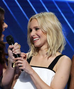 """Watch Kristen Bell, Idina Menzel, and More Perform """"What the World Needs Now Is Love"""" at the DNC"""