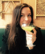 Liv Tyler Approves of This Healthy Vegan Cocktail