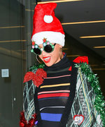 29 Celebrities in Their Ugly Christmas Sweaters