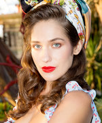 Lola Kirke Talks To Gael Garcia Bernal About Mozart in the Jungle