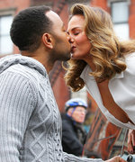 Please Enjoy These Photos of Hot People Making Out