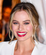 See Margot Robbie Transform into Figure Skater Tonya Harding