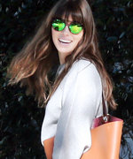 Hurry Before It Sells Out! Jessica Biel's Perfect $25 Sweater