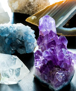 6 Geode Decorations That Will Make Your Home Look Fancy