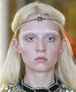 Gucci Wants You to Wear Pearls on Your Eyebrows
