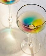 Champagne Glasses That Turn Wine Into A Rainbow. Yes It's A Thing