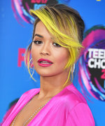 The 8 Beauty Looks You Have to See From the 2017 Teen Choice Awards