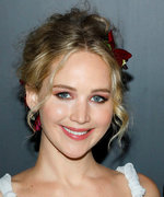 Daily Beauty Buzz: Jennifer Lawrence's Flower Crown