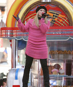 See 19 Celebrities at the Macy's Thanksgiving Day Parade