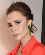 Victoria Beckham Shows Us How to Wear Red and Green Without Looking Cheesy