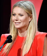 Gwyneth Paltrow DisplaysHer Sparkling Engagement IRL at the Producers Guild Awards