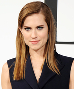 "Allison Williams Shares Gorgeous Photo from Her ""Heavenly"" Italian Honeymoon"