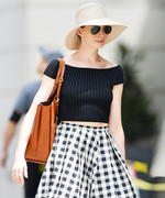 Outfit, Decoded:  Why Anne Hathaway's Summer-in-the-City Look Works