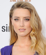 How to Wear Beachy Waves for a Night Out Like Amber Heard