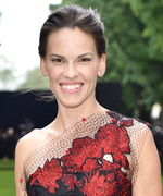 Hilary Swank Explains Why Family Is So Important—and How to Easily Keep in Touch