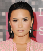 Master the Slicked-Back Hair Trend from the 2015 MTV VMAs