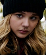 Watch Chloë Grace Moretz Fight for Survival in the 5th Wave Trailer