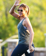 Jennifer Aniston Shows Off Her Incredible Physique While Filming a Workout Scene