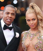 See Jay-Z Affectionately Embrace Beyoncé in This Adorable Photo