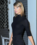Taylor Swift Rocks Head-to-Toe Black in the Big Apple