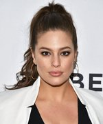 Ashley Graham Celebrated National Lingerie Day with STUNNING #BodyPos Snaps