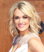 Carrie Underwood Goes Totally Makeup Free in Stunning Workout Selfie