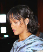 Yes, This Is What Rihanna Wears on Her Starbucks Runs