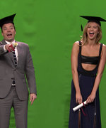 Watch Karlie Kloss Teach Jimmy Fallon How to Pose Like a Supermodel
