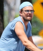 Leonardo DiCaprio Is Happy as a Clam Riding a Bike Through N.Y.C.