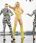 Britney Spears Returns to the VMAs (and HerPerformance Is Nothing Short of Perfection)