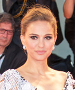 Natalie Portman Steals the Show in a Valentino Lace Gown at the Venice Film Festival