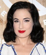 29 of Birthday Girl Dita Von Teese's Best Cat Snaps