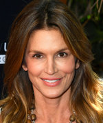 Cindy Crawford and Lori Loughlin Adorably Shake Their Hips in a Cute 'Gram